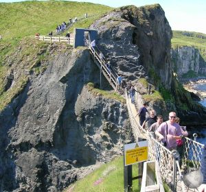 Carrick-a-Rede-Ropebridge_2467017890096713974