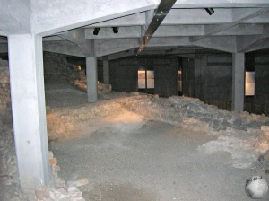 Ruins-House_2914799240096713974