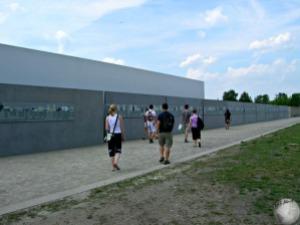 Walls of photos-bios_2138208900096713974